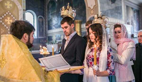 венчание в церкви в мае