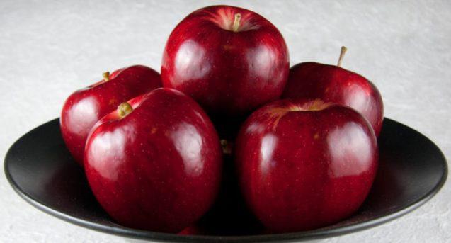 К чему снится яблоня, толкование сна по соннику