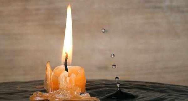свеча вода воск